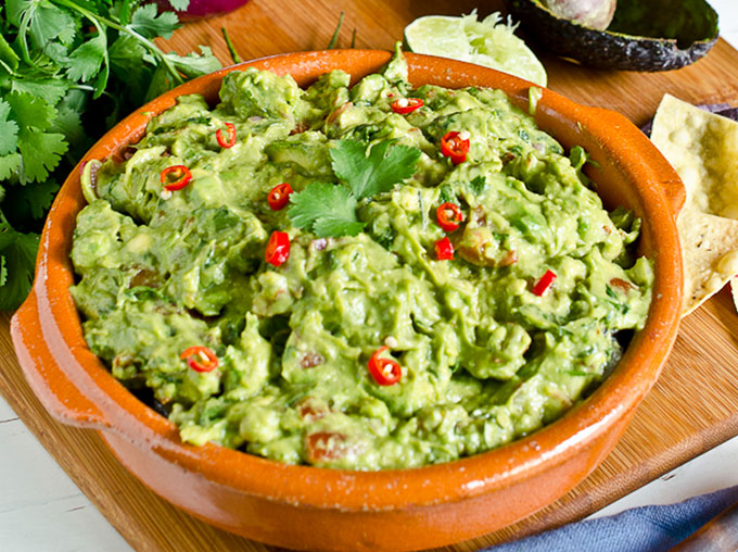 8 Must-Have Guacamole Recipes For Parties - Paleovalley